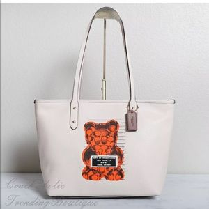 LTD Edition! Coach VANDAL GUMMY Tote White Leather